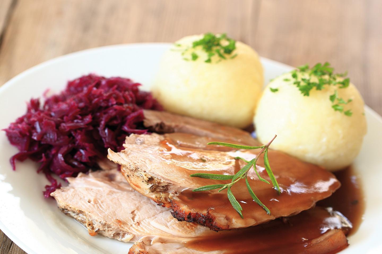 Traditionen Werden Bei Uns Gepflegt Und So Bekommen Sie Hier Original  Bayerische Gerichte, Die Genauso Begeistern Wie Moderne Kulinarische  Spezialitäten, ...